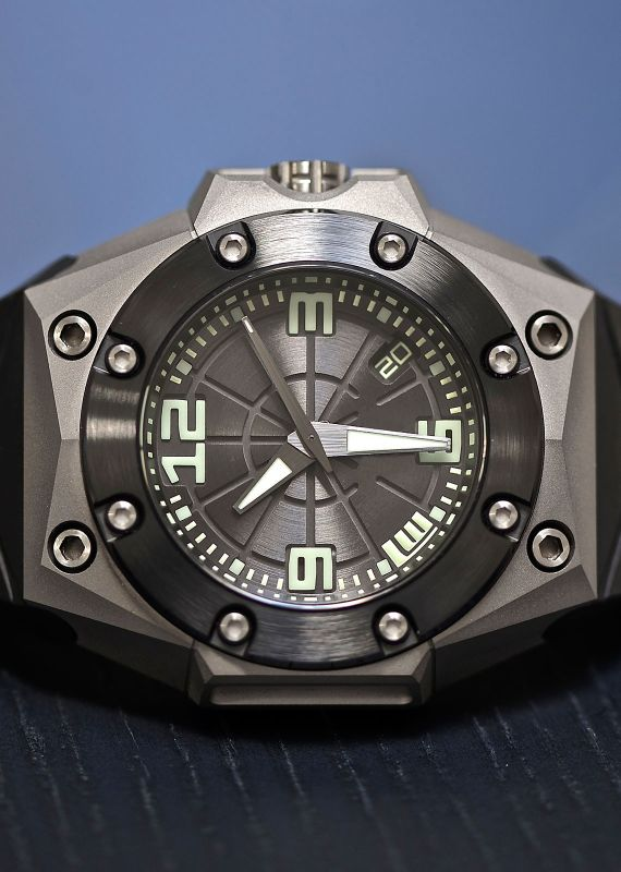 Written by Robert-Jan Broer onWe can be very certain that most of the sports and tool watches end up on the wrist of someone who spends most of his days in artificial light, behind a desk and ...